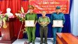 Tân Hưng: Khen thưởng đột xuất 2 cá nhân phòng, chống tội phạm ma túy