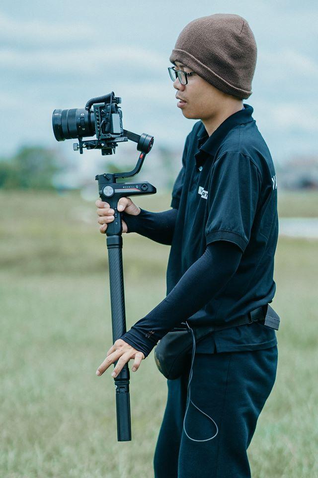 Bạn Nguyễn Hoàng Tiến thể hiện tình yêu quê hương thông qua các video clip về quê hương Long An mà không phải bạn trẻ nào cũng làm được