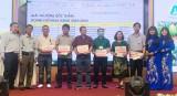 Công ty TNHH Tập đoàn An Nông trao thưởng trên 1 tỉ đồng cho các đại lý