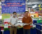 Đấu giá cá hồi Nauy gây quỹ ủng hộ trẻ em nghèo hiếu học