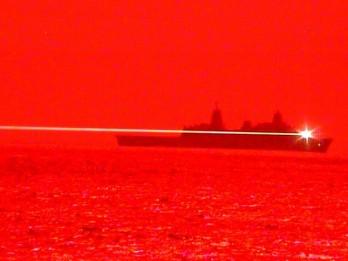 Bùng nổ vũ khí dùng công nghệ laser