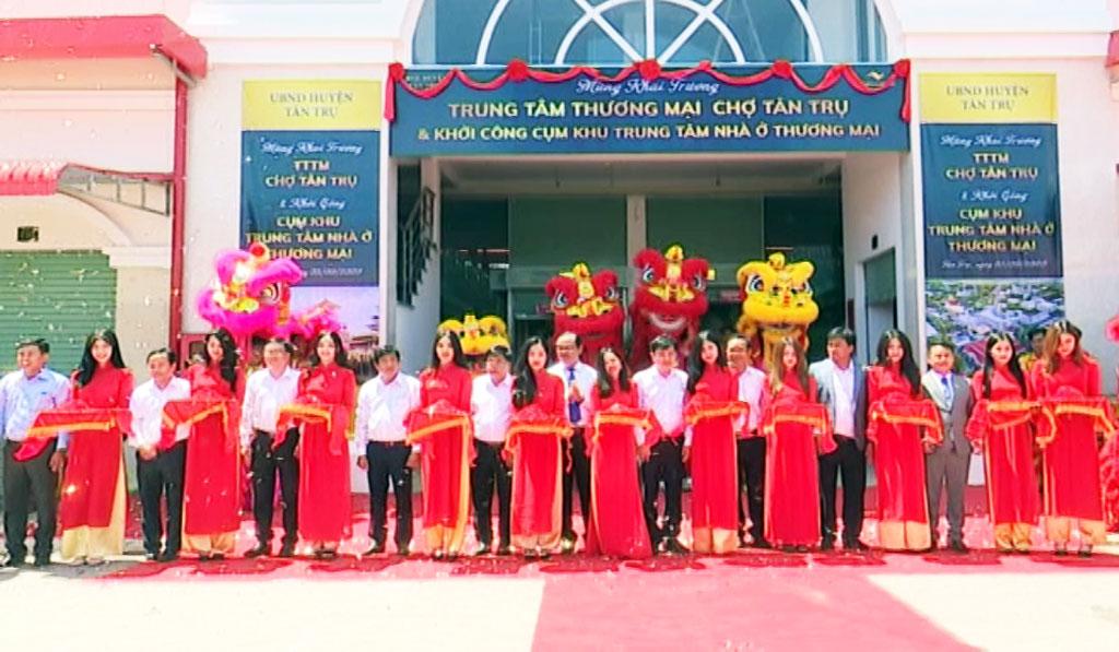 Inauguration of Tan Tru Market Trade Center