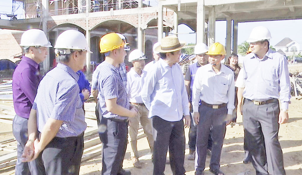 Former State President - Truong Tan Sang inspects the construction progress of Thien Ho Duong High School