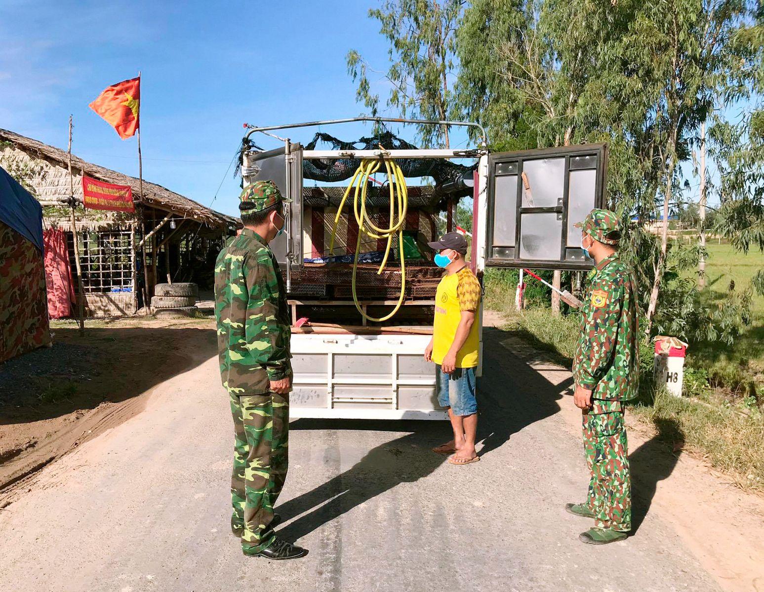 Chốt chống dịch Covid-19 Đồn Biên phòng Sông Trăng, kiểm soát chặt chẽ người, phương tiện,hàng hóa qua lại biên giới