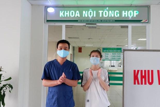 Trường hợp được Bệnh viện Bệnh Nhiệt đới Trung ương cơ sở Đông Anh công bố khỏi bệnh. (Ảnh: PV/Vietnam+)