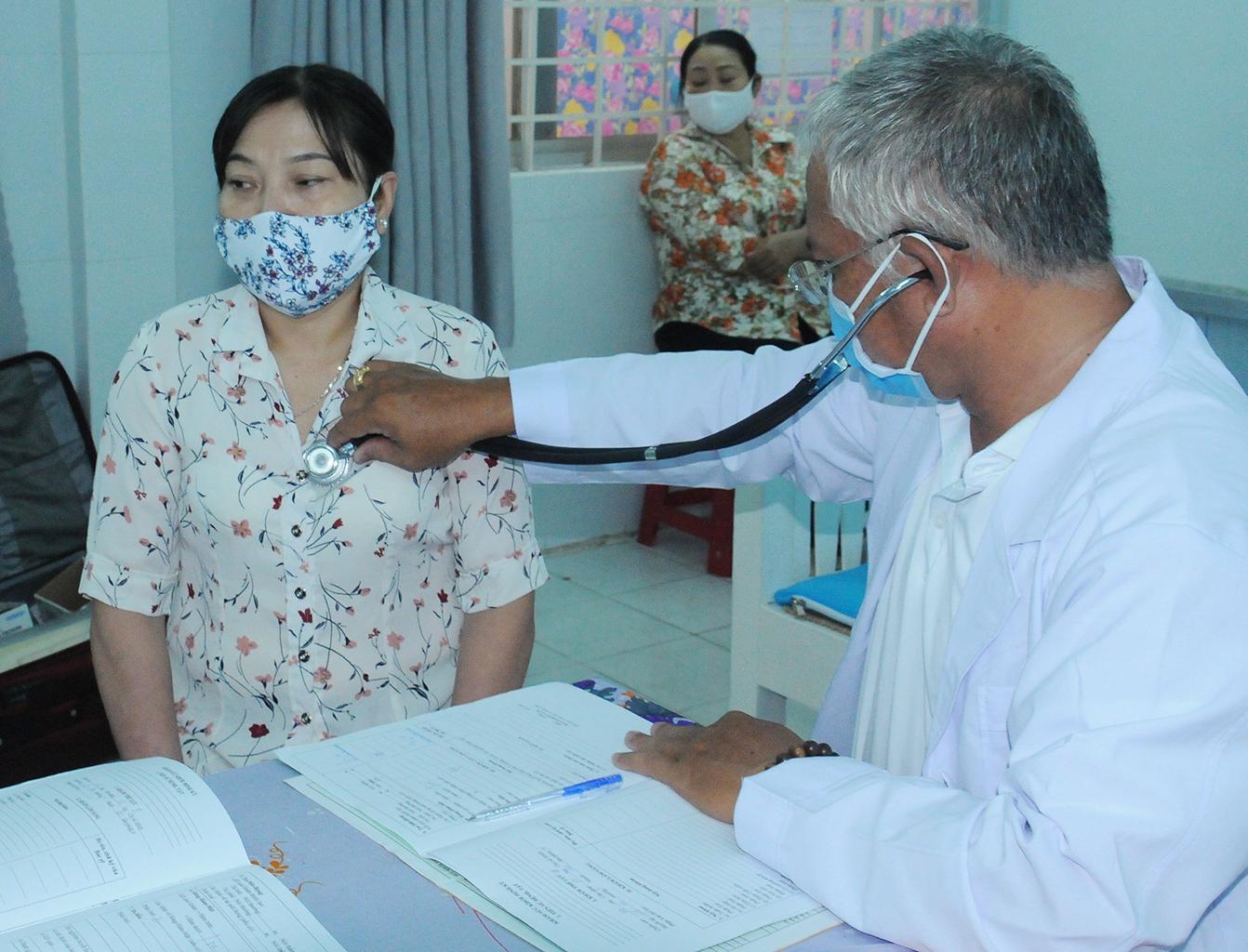 Chăm sóc sức khỏe cho công nhân, lao động là nhu cầu thiết thực