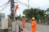 Kiến nghị đầu tư lưới điện hạ thế đến tận các hộ Bờ Tây kênh 1/5, xã Vĩnh Lợi