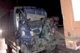 Xe tải va chạm container, 2 người tử vong
