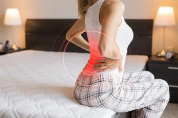 Các căn bệnh tiềm ẩn phía sau cơn đau lưng