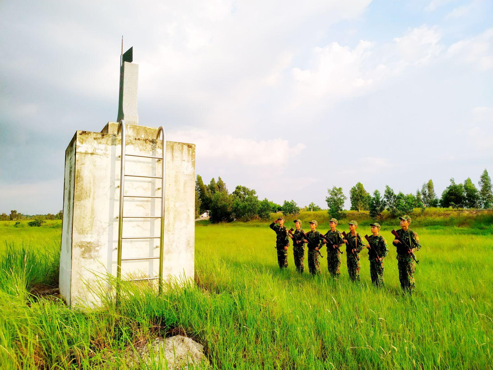 Đồn Biên phòng Thuận Bình tuần tra bảo vệ biên giới