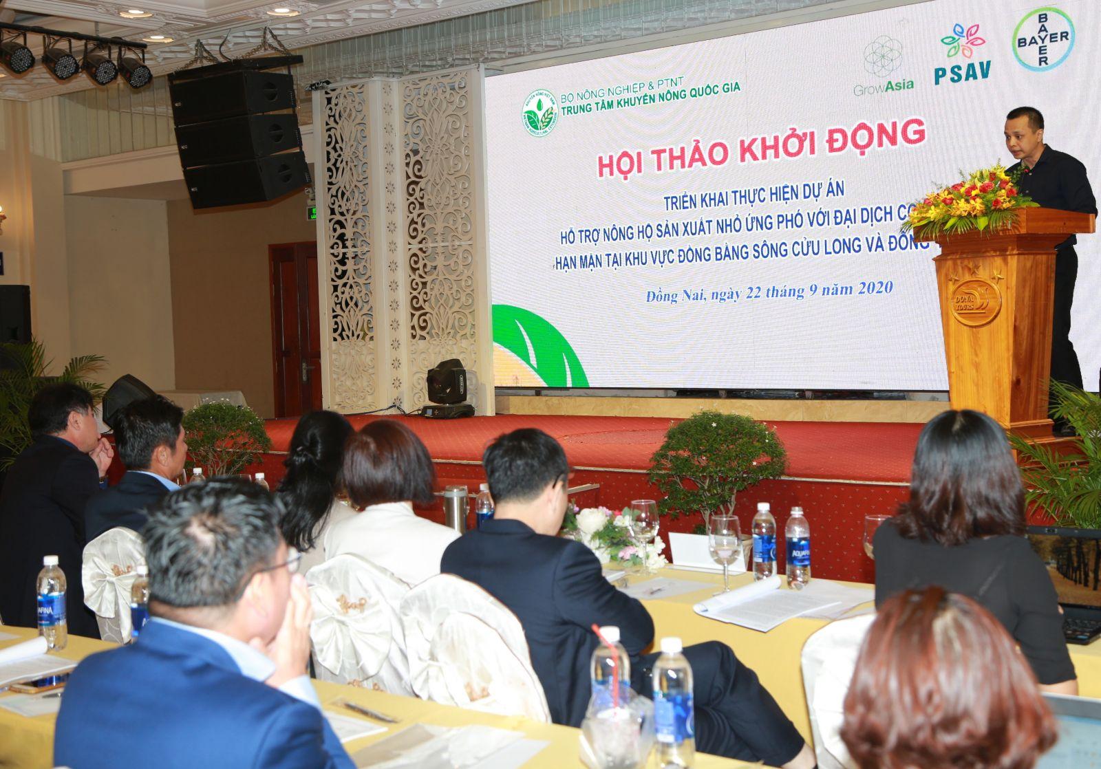 Ông Nguyễn Chí Hiếu, đại diện Tổ chức Tăng trưởng châu Á (Grow Asia) cam kết hỗ trợ nông dân Việt Nam khắc phục khó khăn sau hạn mặn và tác động của COVID-19