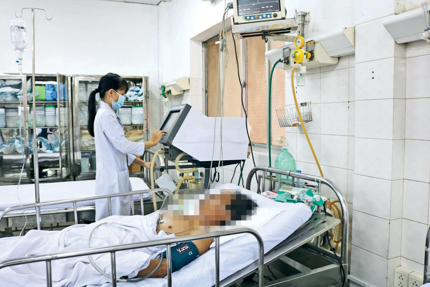 Mỗi ngày, tại khoa Cấp cứu, Bệnh viện đa khoa Long An tiếp nhận 30-40 trường hợp bị tai nạn giao thông