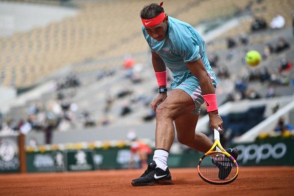 Nadal tỏ ra không thoải mái khi dự Roland Garros trong điều kiện đặc biệt, nhưng anh phải chấp nhận thực tế - Ảnh: Getty Images