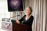 Nữ thi sĩ người Mỹ Louise Gluck đoạt giải Nobel Văn học