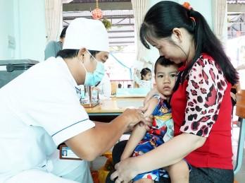 Giúp trẻ tăng cường miễn dịch phòng bệnh sởi, rubella