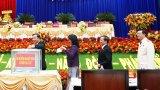 Đại biểu dự Đại hội Đảng bộ tỉnh Long An ủng hộ đồng bào miền Trung hơn 80 triệu đồng