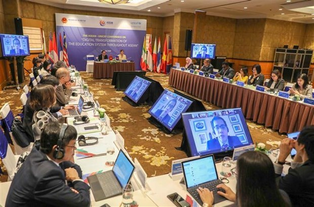 """At the ASEAN-UNICEF Conference on """"Digital Transformation of the Education System Throughout ASEAN"""" (Photo: VNA)"""