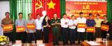 Bộ CHQS tỉnh Long An tặng gần 500 triệu đồng xây dựng nhà tình nghĩa quân - dân