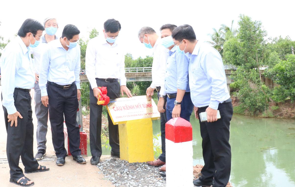 Công ty Cổ phần Đầu tư Tân Đức tham gia chương trình Cầu nông thôn do nguyên Chủ tịch nước - Trương Tấn Sang vận động