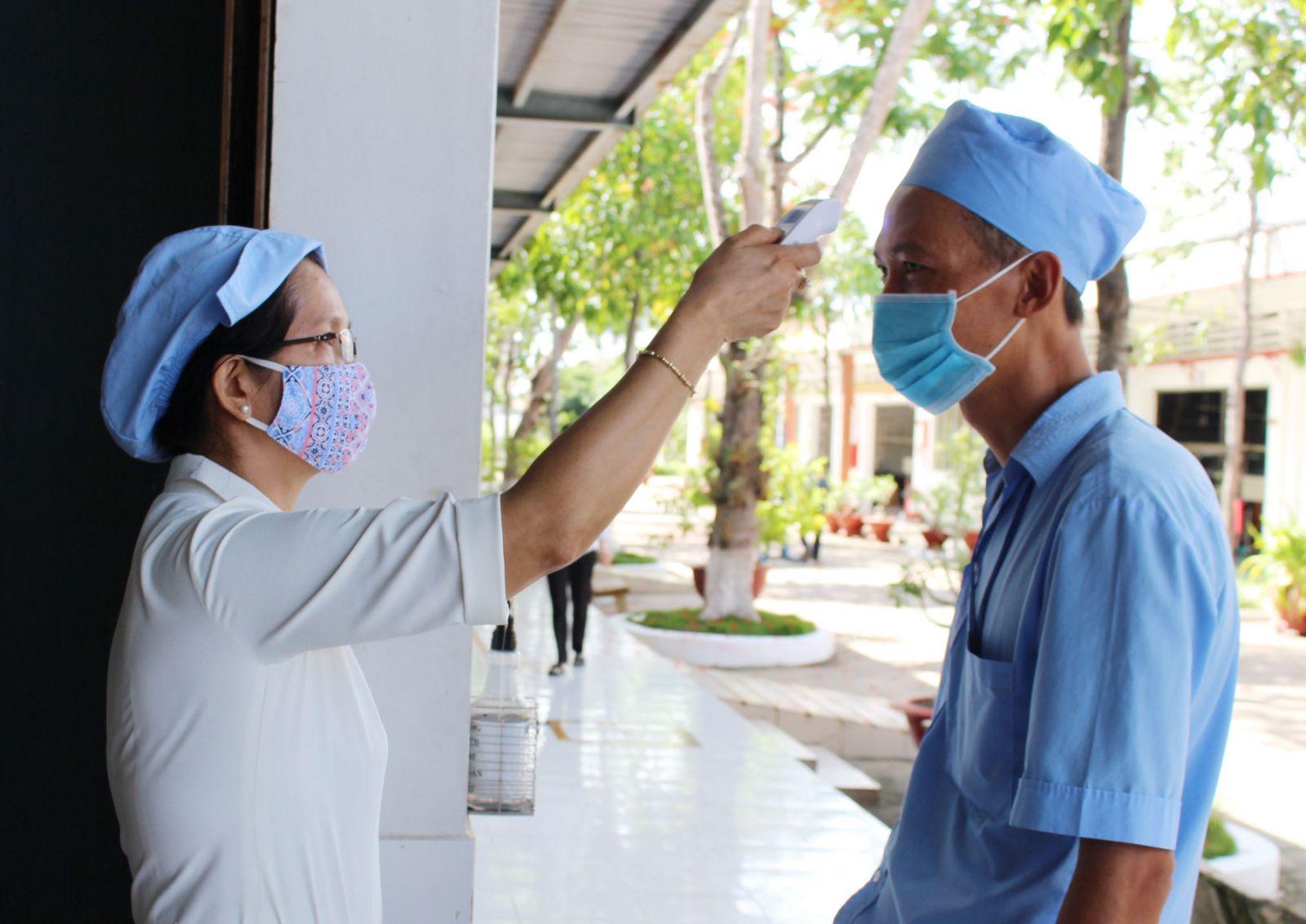 Nguy cơ dịch bệnh Covid-19 vẫn luôn thường trực, vì vậy cần thực hiện nghiêm các biện pháp phòng, chống dịch