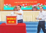 Long An launched donation to support people in Central provinces
