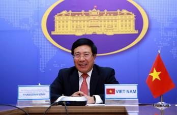 Phó Thủ tướng Phạm Bình Minh điện đàm với Bộ trưởng Ngoại giao Malaysia
