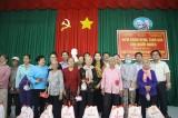Tặng quà và khám bệnh miễn phí cho người dân Châu Thành