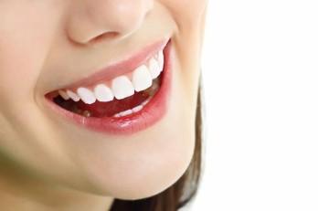 9 thói quen hàng ngày bất ngờ làm hỏng răng của bạn