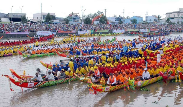 The traditional Ok Om Bok festival of the Khmer ethnic group opens in the Mekong Delta province of Tra Vinh on October 25. (Photo: VNA)