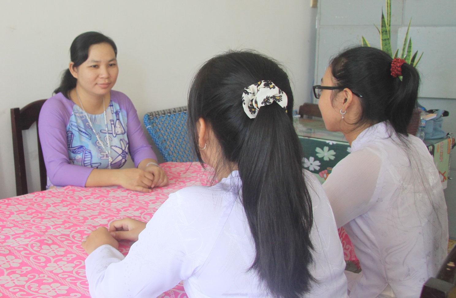 Các trường thành lập Ban tư vấn tâm lý học đường để giải đáp những thắc mắc cho học sinh
