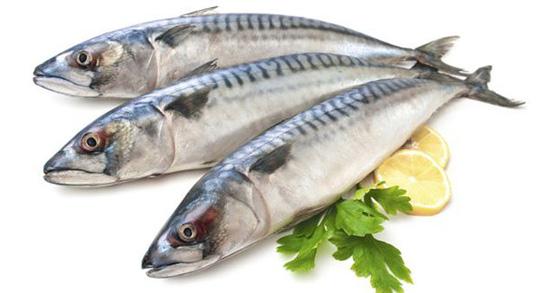 Tăng cường ăn cá biển để bảo vệ cấu trúc làn da.