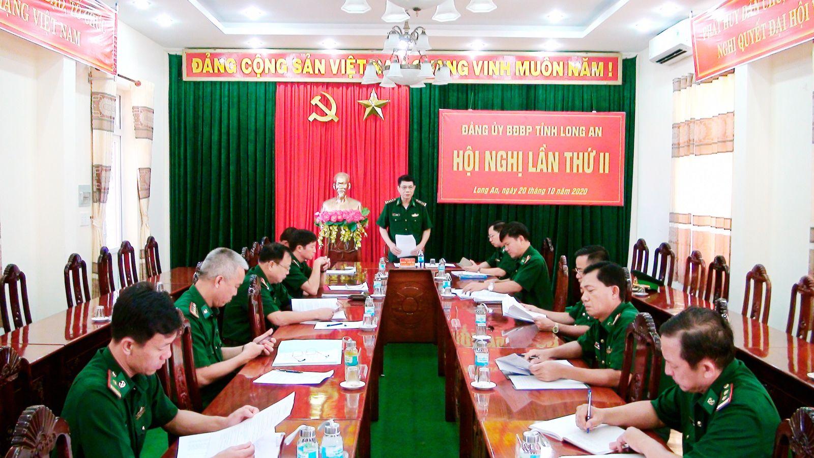 Đại tá Đoàn Văn An - Chính ủy Bộ đội Biên phòng tỉnh, đánh giá cao sự nỗ lực, vượt khó hoàn thành nhiệm vụ của các đơn vị, cán bộ, chiến sĩ