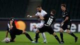 Benzema ghi siêu phẩm đưa Real Madrid trở về từ cõi chết