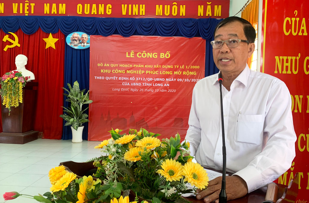 Vice Chairman of the People's Committee of Can Duoc district - Phan Van Tuong approved the decision approving the Project on planning construction area for the expansion of Phuc Long IP at scale 1/2000