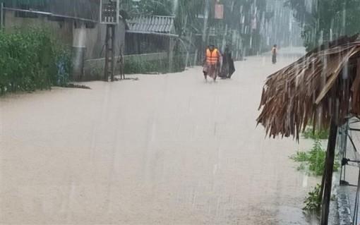 Trung Bộ mưa dông diện rộng, cảnh báo lũ quét, sạt lở đất