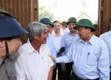 Thủ tướng Nguyễn Xuân Phúc thị sát việc khắc phục hậu quả bão số 9