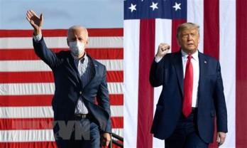 Hai ứng cử viên tổng thống Mỹ tăng tốc trong ngày cuối cùng tranh cử