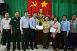 Phó Thủ tướng Campuchia trao quà hỗ trợ đồng bào miền Trung bị ảnh hưởng thiên tai