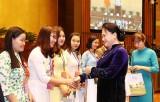 Chủ tịch Quốc hội gặp mặt các nhà giáo, cán bộ giáo dục tiêu biểu
