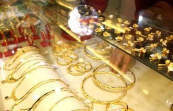Giá vàng hôm nay 18/11: Lo sợ ngày đen tối, vàng tăng trở lại