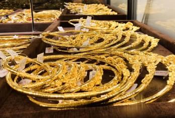 Giá vàng hôm nay 19/11: Vàng nhấp nhổm tăng, USD vào kỳ hồi phục