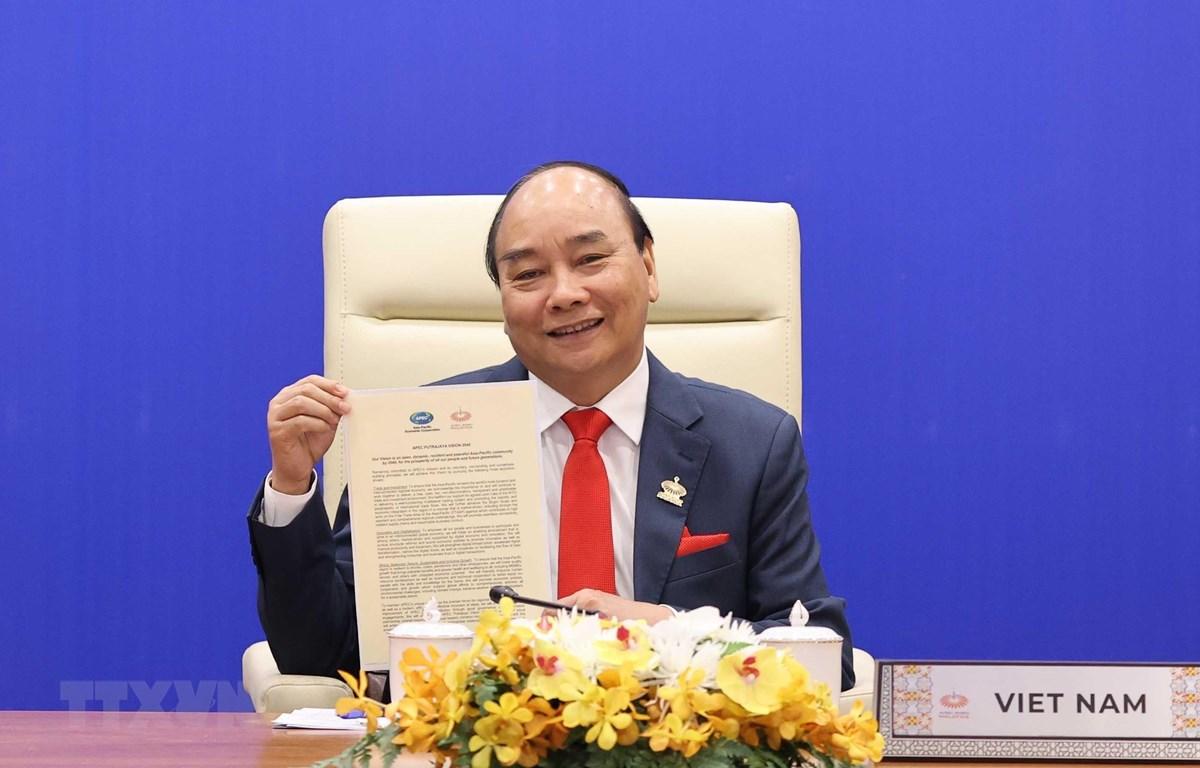 Thủ tướng Nguyễn Xuân Phúc và lãnh đạo các nền kinh tế thành viên thông qua