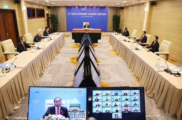 PM Nguyen Xuan Phuc attends the 27th APEC Economic Leaders' Meeting via video conference (Photo: VNA)