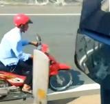 Xe máy chạy lạc vào cao tốc