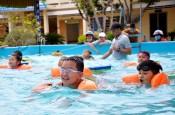 Hàng trăm trẻ em được xóa mù bơi lội từ chương trình xã hội hóa