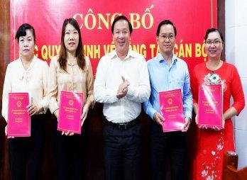 UBND tỉnh Long An công bố quyết định về công tác cán bộ