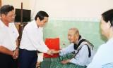 Bí thư Thành ủy Tân An thăm AHLLVTND Nguyễn Văn Chiểu