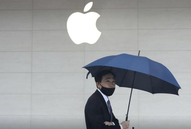 """Apple muốn tìm một địa điểm mới """"bình yên"""" hơn cho dây chuyền sản xuất iPad và MacBook. Ảnh: Reuters"""