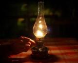 Ánh đèn dầu đêm đông...