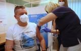 Dịch bệnh COVID-19: EU sẵn sàng hỗ trợ mở rộng sản xuất vắcxin